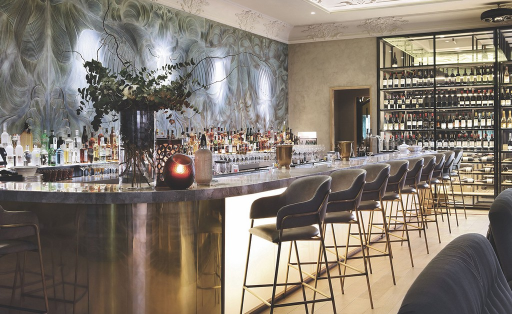 5 Fall Color Trends For Stylish Restaurant Bar Stools