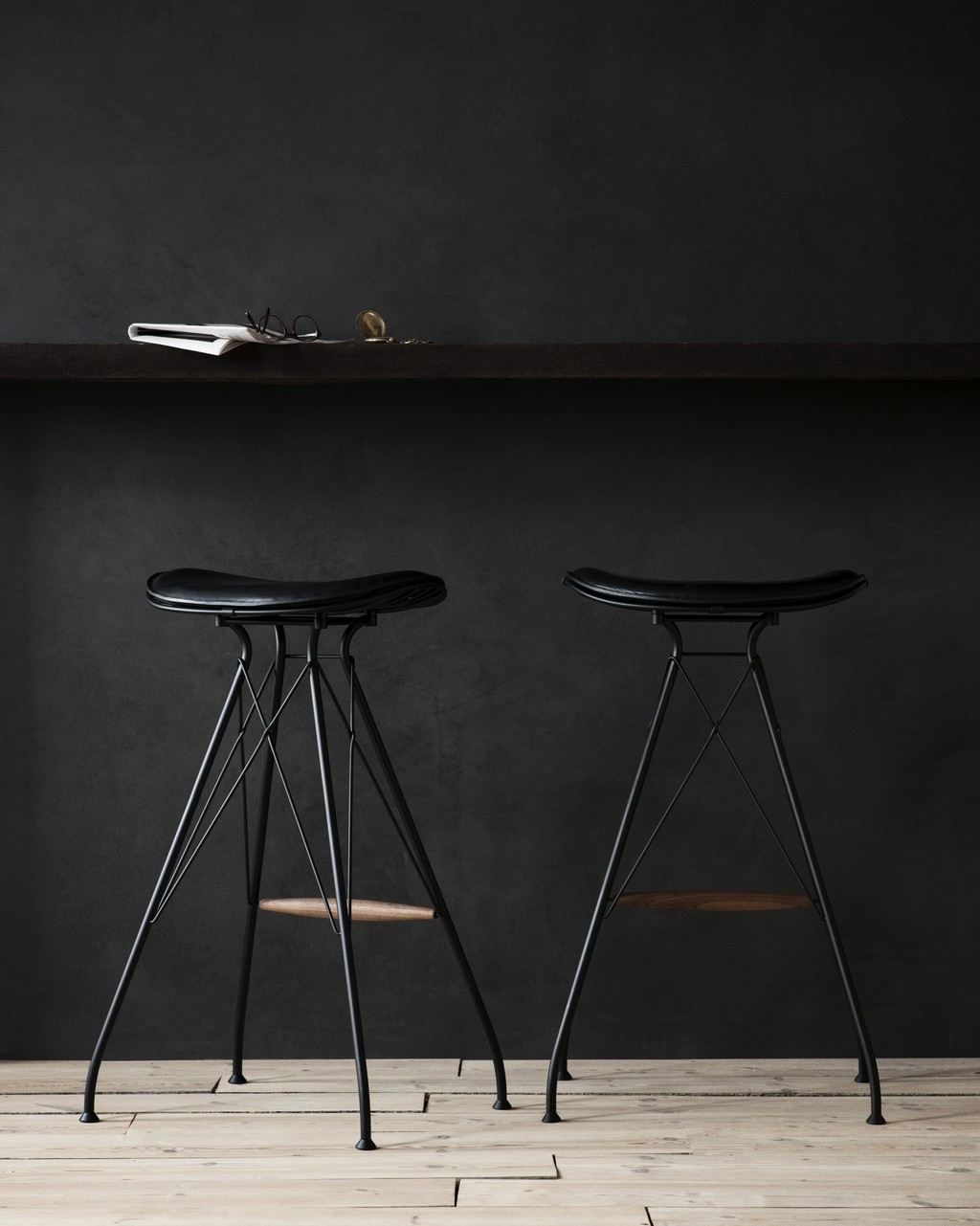 8 Black Bar Stools That Will Add Luxury To Any Décor
