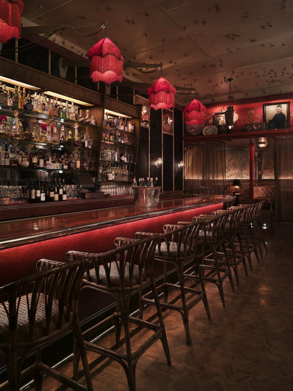Los Angeles Best Bars To Bring Yours Friend For A Drink